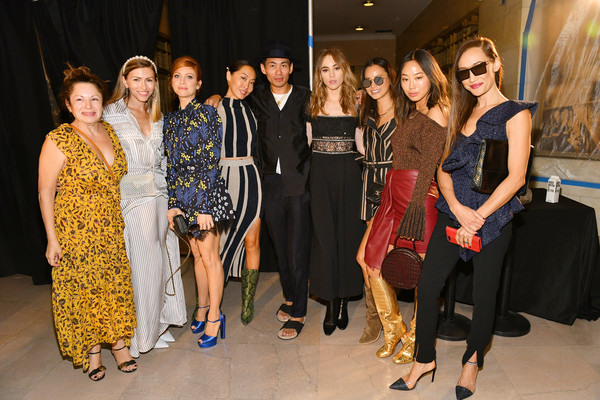 Self-Portrait Spring Summer 2020 -Front Row – New York Fashion Week [self-portrait,fashion,event,fashion design,fun,dress,haute couture,party,performance,art,jessica paster,dani song,aimee song,suki waterhouse,lindsey dupuis bledsoe,front row,l-r,designer han chong,new york fashion week]