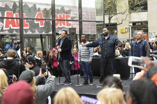 I Love the '90s Concert Tour Performs on NBC's 'Today' []