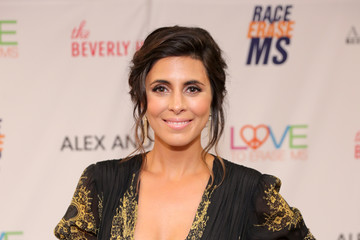 Jamie-Lynn Sigler 24th Annual Race To Erase MS Gala - Backstage
