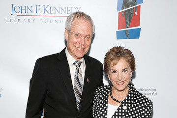 Jan Schakowsky American Visionary: John F. Kennedy's Life and Times at the Smithsonian American Art Museum