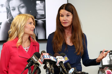 Janice Dickinson Janice Dickinson And Lisa Bloom Announce Victory In Their Lawsuit Against Bill Cosby