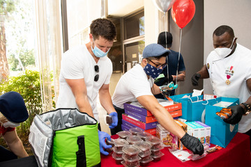 Jason Dohring Andre Rush Eric The Trainer Partners With Sunfare, Quest Nutrition And Celebrity Clients To Donate Meals To LA Downtown Medical Center