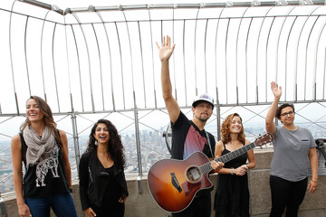 Jason Mraz Jason Mraz Visits the Empire State Building