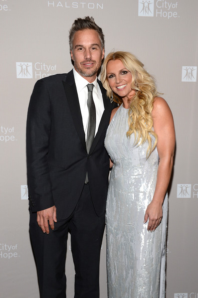 http://www1.pictures.zimbio.com/gi/Jason+Trawick+City+Hope+Honors+Halston+CEO+bZ64Qxm-QfYl.jpg