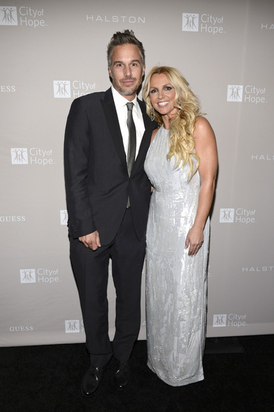 http://www1.pictures.zimbio.com/gi/Jason+Trawick+City+Hope+Honors+Halston+CEO+uxzdLsR-r95l.jpg