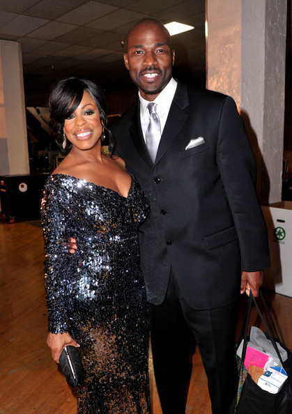 niecy nash jay tucker. Jay Tucker Niecy Nash (L) and