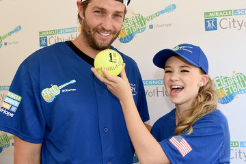Jay Cutler 28th Annual City Of Hope Celebrity Softball Game - Arrivals