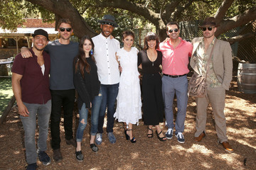 Jeffrey Bowyer-Chapman Lifetime's 'UnREAL' Cast and Producers Kickoff Summer on a Group Date at Malibu Wines Safari
