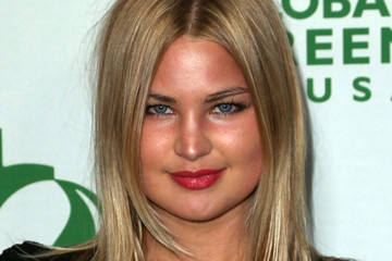 Jennifer Akerman Arrivals at Global Green USA's 11th Annual Pre-Oscar Party
