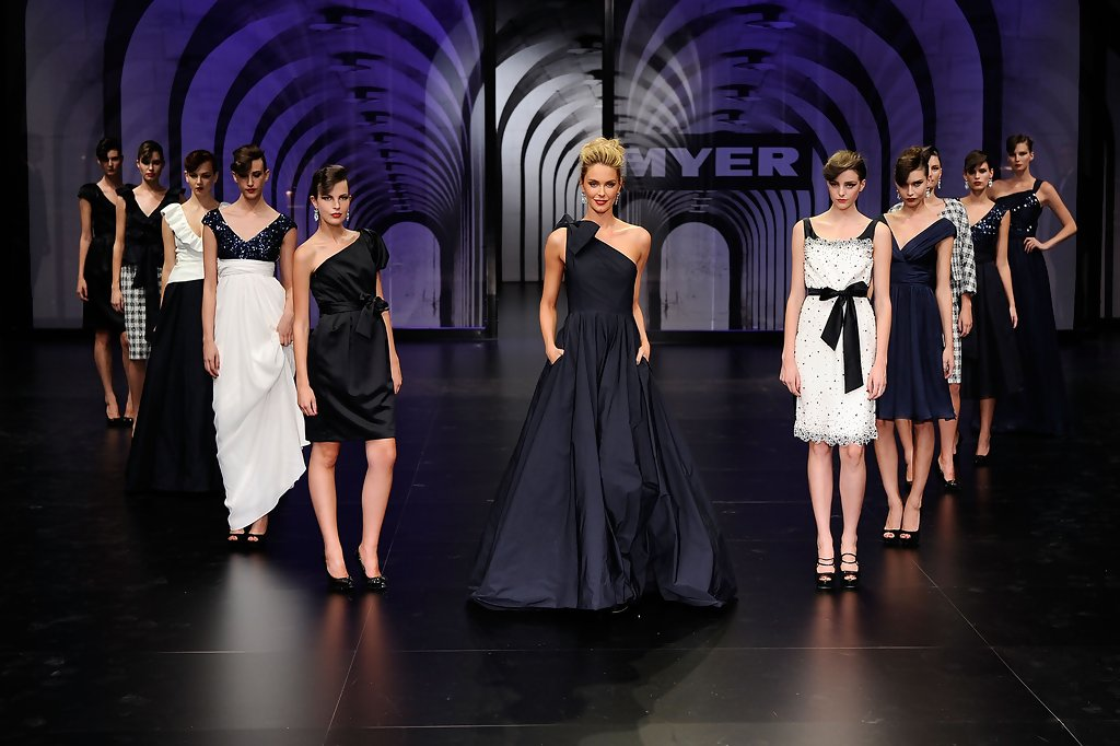 jennifer hawkins, miss universe 2004. - Página 61 Jennifer+Hawkins+Myer+Autumn+Winter+Collection+hpxDC3dzapbx