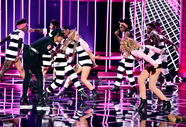2015 iHeartRadio Music Awards On NBC - Show [performance,entertainment,performing arts,stage,musical,event,public event,musical theatre,fun,pop music,jennifer hudson,iggy azalea,singer,iheartradio music awards,trouble,the shrine auditorium,los angeles,nbc,l,show]