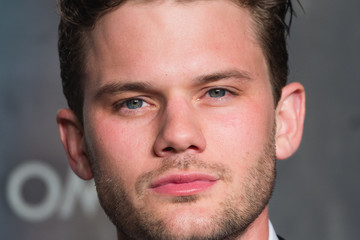 Jeremy Irvine Lost in Space - Anniversary party