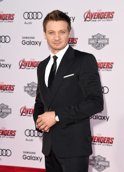 Premiere Of Marvel's 'Avengers: Age Of Ultron' - Arrivals [avengers: age of ultron,suit,formal wear,tuxedo,premiere,white-collar worker,carpet,event,jeremy renner,arrivals,california,hollywood,dolby theatre,marvel,premiere]