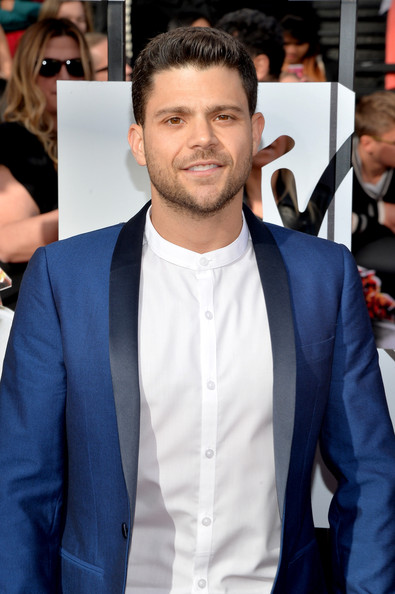 Jerry Ferrara Pictures - Arrivals at the MTV Movie Awards ... Zac Efron Dating