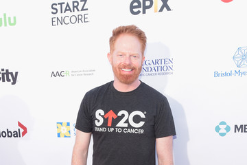 Jesse Tyler Ferguson Stand Up To Cancer Marks 10 Years Of Impact In Cancer Research At Biennial Telecast - Arrivals