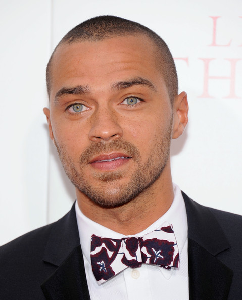 http://www1.pictures.zimbio.com/gi/Jesse+Williams+Butler+Premieres+NYC+Part+4+v_WmpqL4MM-l.jpg
