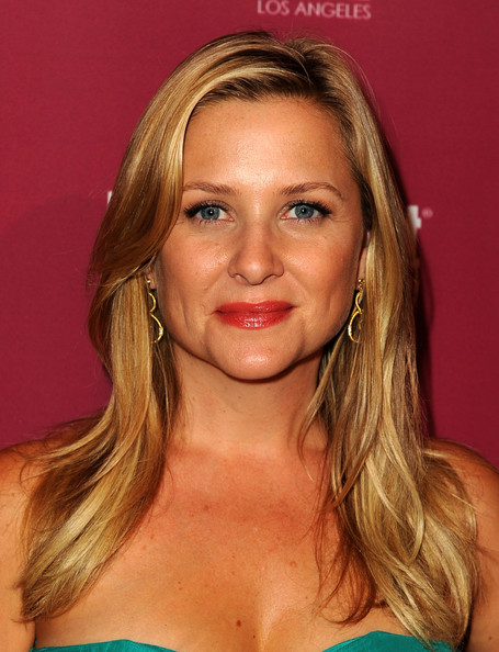 http://www1.pictures.zimbio.com/gi/Jessica+Capshaw+2011+Entertainment+Weekly+wl0VxNegxFrl.jpg