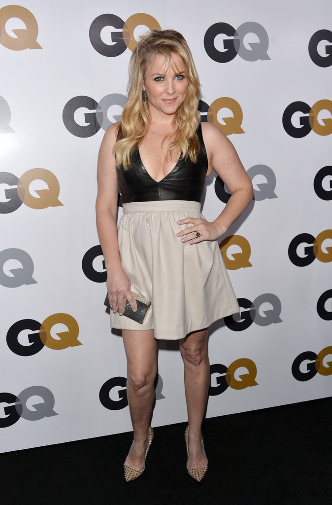 http://www1.pictures.zimbio.com/gi/Jessica+Capshaw+GQ+Men+Year+Party+Arrivals+AmgwbD7_223x.jpg