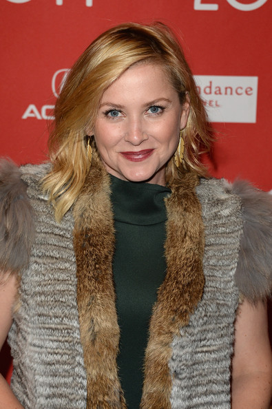 http://www1.pictures.zimbio.com/gi/Jessica+Capshaw+Young+Ones+Premiere+Arrivals+KZes_XwoMMil.jpg