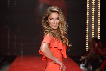 Jessie James Decker The American Heart Association's Go Red For Women Red Dress Collection 2017 Presented By Macy's at Fashion Week in New York City - Runway