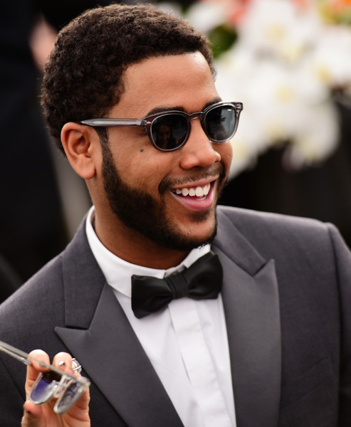 26th Annual Screen Actors Guild Awards - Fan Bleachers [eyewear,hair,suit,sunglasses,facial hair,hairstyle,formal wear,tuxedo,beard,glasses,jharrel jerome,fan bleachers,screen actors guild awards,california,los angeles,the shrine auditorium,screen actors\u00e2 guild awards,jharrel jerome,sunglasses,screen actors guild awards,actor,sag-aftra,voriques \u00f3ptica 716 sul,critics choice movie awards,glasses]