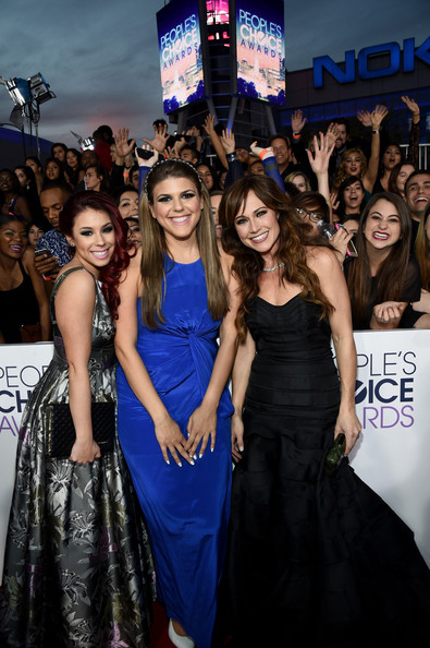 Arrivals at the People's Choice Awards — Part 2 [dress,premiere,event,public event,carpet,fashion,shoulder,red carpet,little black dress,gown,peoples choice awards,part,california,los angeles,nokia theatre la live,arrivals,actresses,nikki deloach,jillian rose reed,molly tarlov]
