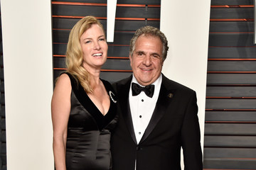Jim Gianopulos Ann Gianopulos 2016 Vanity Fair Oscar Party Hosted By Graydon Carter - Arrivals