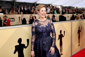 JoBeth Williams 24th Annual Screen Actors Guild Awards - Red Carpet