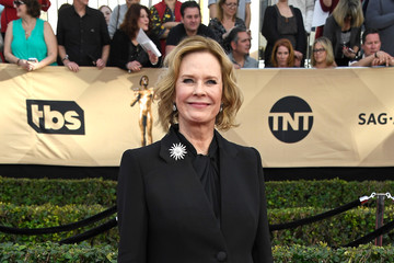 JoBeth Williams The 23rd Annual Screen Actors Guild Awards - Arrivals