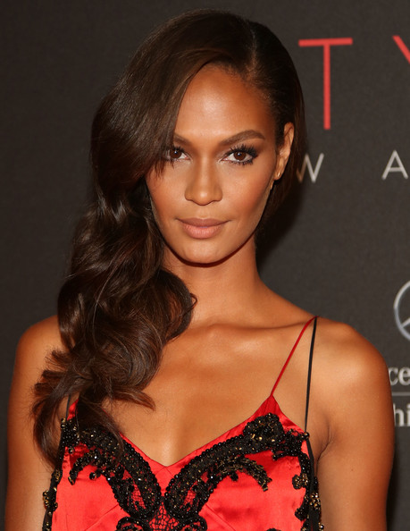 http://www1.pictures.zimbio.com/gi/Joan+Smalls+9th+Annual+Style+Awards+Arrivals+-deJTSjI8Lal.jpg