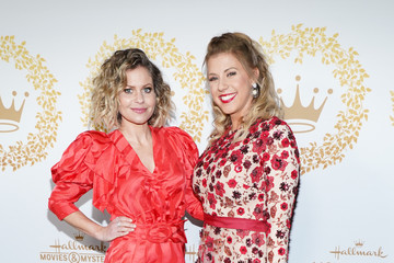 Jodie Sweetin Candace Cameron Bure 2019 Winter TCA Tour - Hallmark Channel And Hallmark Movies And Mysteries - Arrivals