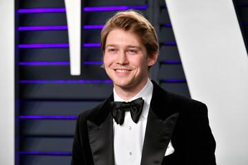 Joe Alwyn 2019 Vanity Fair Oscar Party Hosted By Radhika Jones - Arrivals