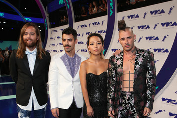 Joe Jonas Jack Lawless 2017 MTV Video Music Awards - Red Carpet