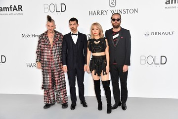 Joe Jonas Jack Lawless amfAR Gala Cannes 2017