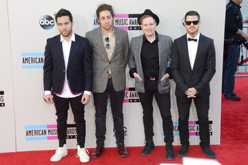 Joe Trohman Andy Hurley Arrivals at the American Music Awards — Part 2
