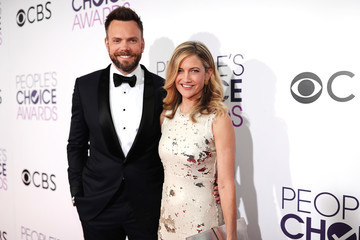 Joel McHale People's Choice Awards 2017 - Red Carpet