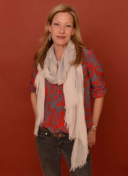 Download this Joey Lauren Adams Actress Poses For Portrait picture