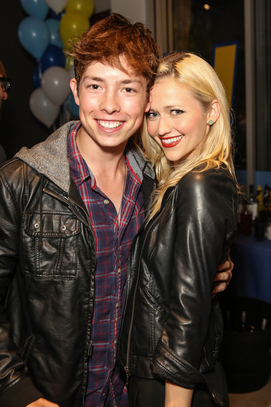 Johanna Braddy Josh Blaylock Johanna Braddy And Josh Blaylock Photos Video Game High School Season 2 Premiere Party Zimbio Consulta on line la biblioteca del cinema. johanna braddy josh blaylock johanna