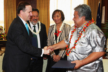 Tuilaepa Lupesoliai Sailele John Key Embarks On Pacific Islands Visit - Day 2