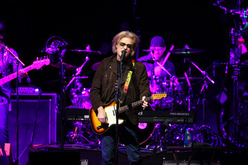 John Oates Daryl Hall, John Oates & Tears For Fears in Concert in Saint Paul, Minnesota