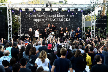 John Varvatos Ringo Starr John Varvatos Celebrates International Day Of Peace With A Special Performance By Ringo Starr And An All Starr Band