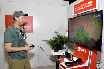 Jon Heder Nintendo Hosts Celebrities At 2018 E3 Gaming Convention