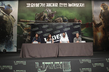 Jonathan Liebesman Andrew Form 'Teenage Mutant Ninja Turtles' Press Conference in Seoul