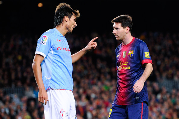 Did Lionel Messi throw a punch at Jonathan Vila? (Barcelona 3   Celta Vigo 1)