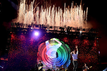 Jonny Buckland Will Champion Coldplay Performs at the Rose Bowl
