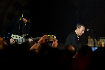 Jonny Buckland Coldplay Perform At The Natural History Museum
