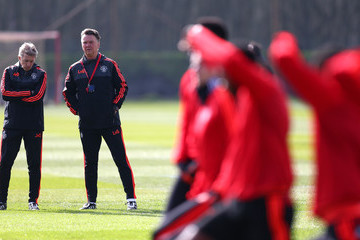 Jos van Dijk Manchester United Training And Press Conference