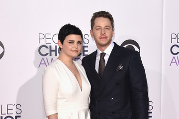 Josh Dallas Arrivals at the People's Choice Awards