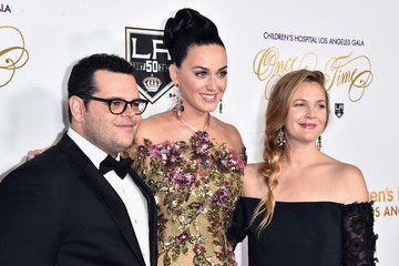 Josh Gad 2016 Children's Hospital Los Angeles 'Once Upon a Time' Gala - Arrivals