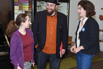 Joshua Safran Gaby Hoffmann Campaigns for Bernie Sanders in Nevada